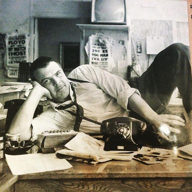 Min pappa. På Expressens redaktion. 60-tal. De hade skjorta och slips då också.