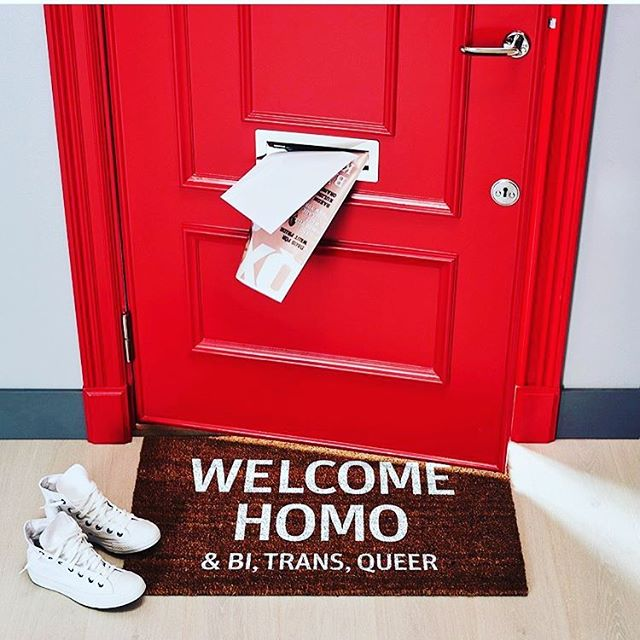 Bra där @riksbyggensthlm - dagens härligaste dörrmatta!