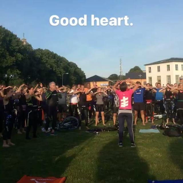 Liten flash mob överraskning till officiella tävlingslåten. Fint! Alla gav järnet. @wtstraining @vattenfallworldtristockholm