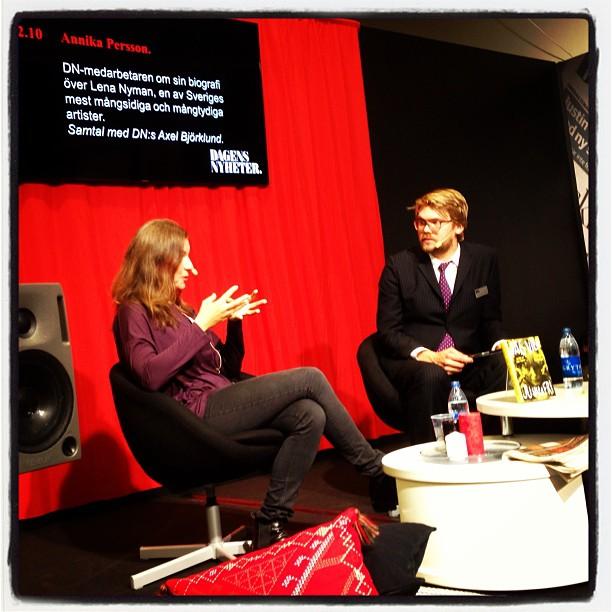 Annika Persson berättar om sin biografi om Lena Nyman. Intressant! Bra!