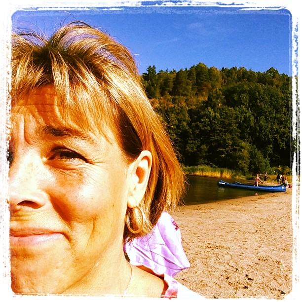 Äventyrsdag i Flottsbro. Bi har paddlat kanot, vaskat guld och badat nakna (mest barnen).