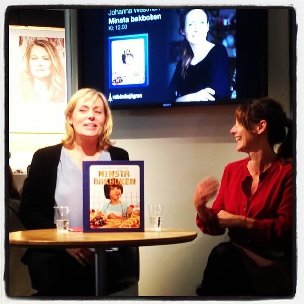Min underbara barnboksförläggare Sofia Hahr med kokboksdriiningen Johanna Westman.