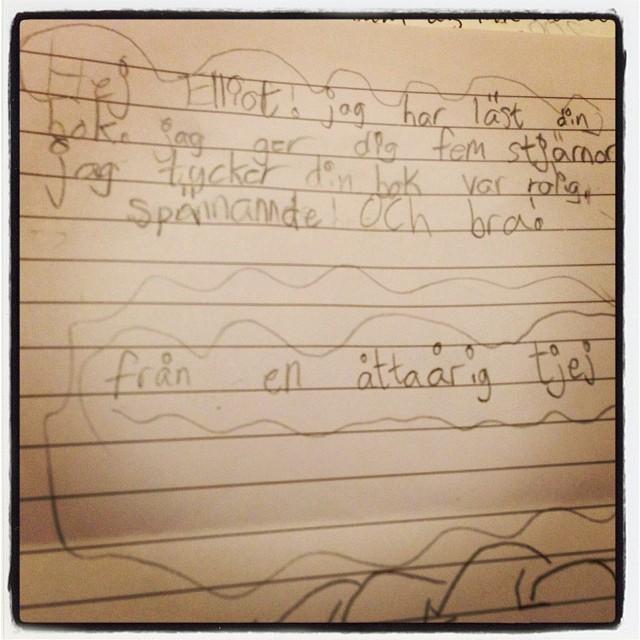 Hon hade skrivit en alldeles egen recension. Underbara unge! Nu måste jag snyta mig lite igen.