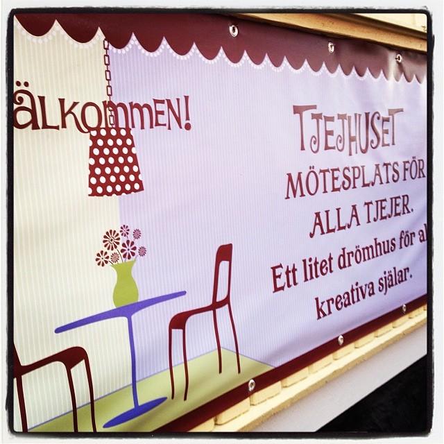 Tjejhuset i Södertälje. En mötesplats för alla tjejer. Ett litet drömhus för alla kreativa själar.
