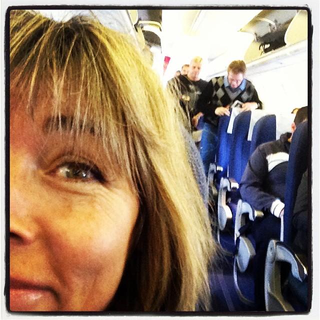 Vi hann till flyget den här gången också. Trots att flygbussföraren inte visste att han skulle jobba i dag... Vardagsdramatik.