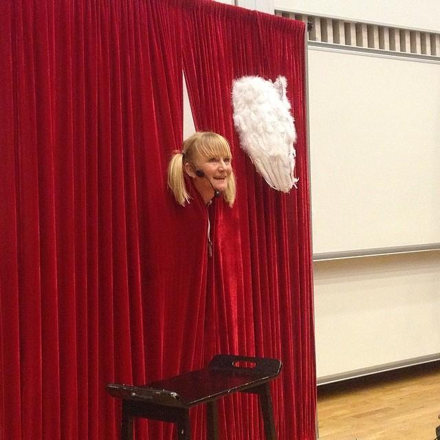Är du nykter? En föreställning av och med Anette Lindbäck. Den går rakt in i hjärtat. Rekommenderas varmt.