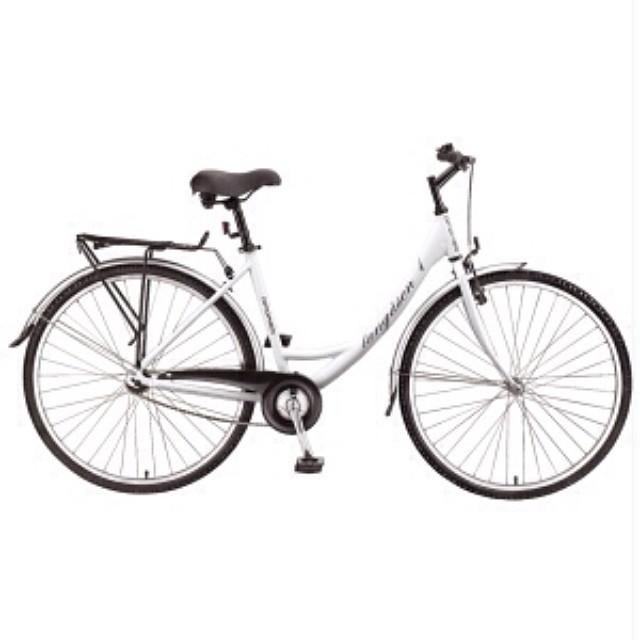 Dagens bästa! Min nya cykel! 999 kr på XXL. Färdigmonterad och körklar. Himla fin. Härlig att köra. Här ska cyklas!