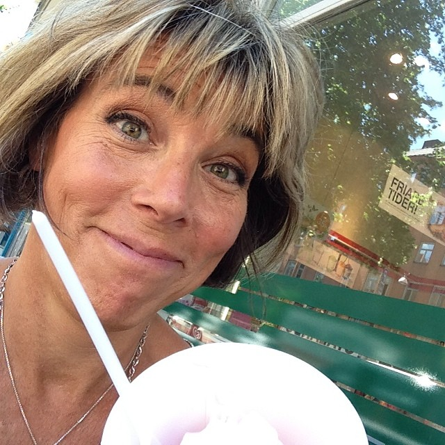 Succé på Åsö Gymnasium! Vilka underbara människor. Änglar! Jag firar med yoghurtglass!