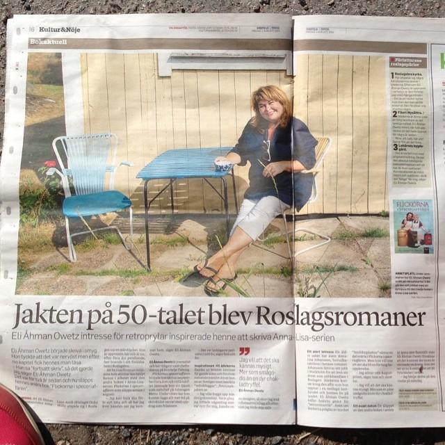 Läsgodis för retrovänner. Jakten på 50-talet blev Roslagsromaner. Snyggt i morgontidningen om min nya författarkompis, Eli Åhman Owetz.
