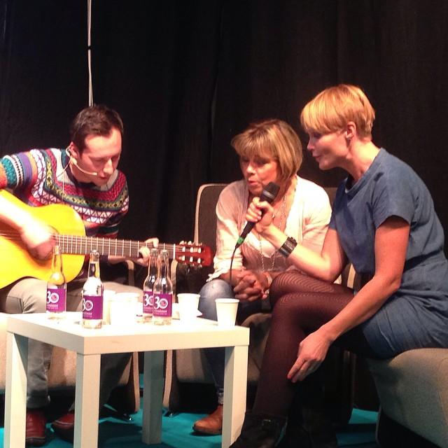 Intervjun avslutades med att vi sjöng Du vet väl om att du är värdefull.