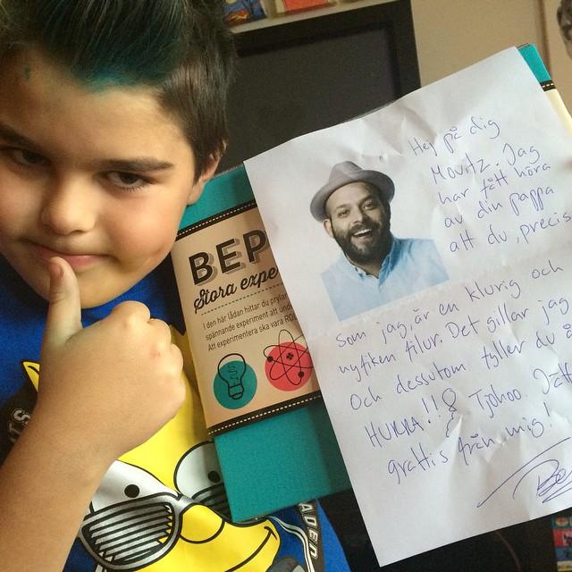 Bästa presenten! Stort tack till superfixaren @beppesinger för skönt brev till Movitz på 9-årsdagen. Kärlek.