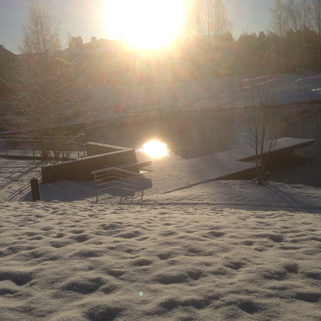 I dag njuter jag. Av vinter, snö och ljus.