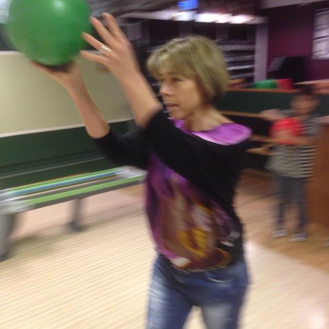Seriös bowling pågår.