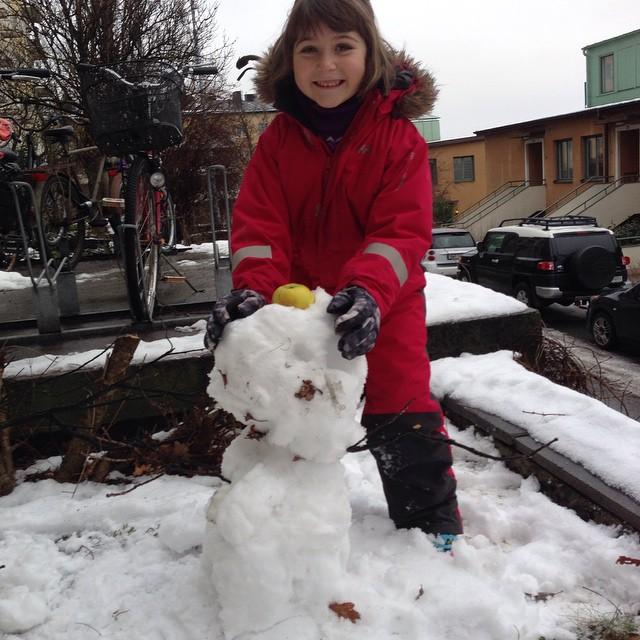 Vi lyckades skrapa ihop lite snö. Sedan berättade jag om Wilhelm Tell.