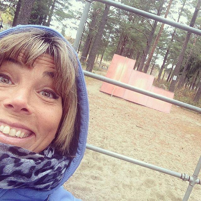 Blir glad över att hitta en hinderbana i Umeå!