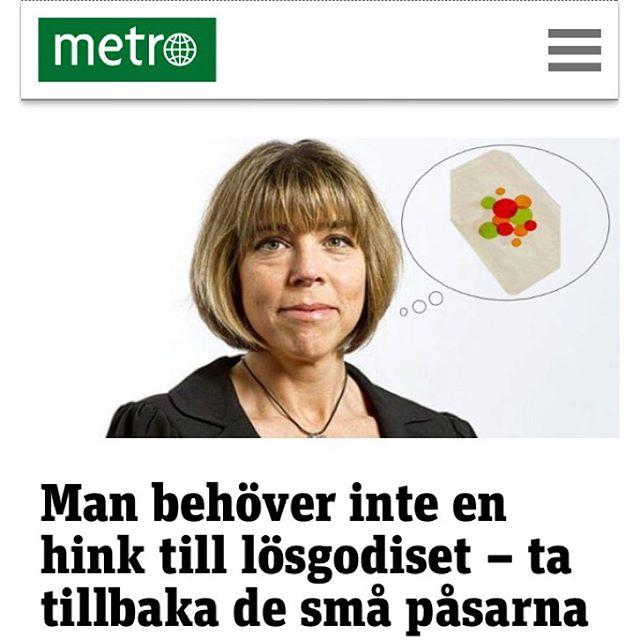 Dagens Metro. Nya godispåsen är en hink! Http://www.metro.se/kolumner/man-behover-inte-en-hink-till-losgodiset-ta-tillbaka-de-sma-pasarna/EVHojf!yzw7SBSyVpETY/