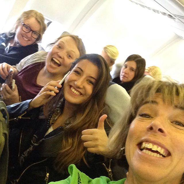 Snart flyyyger vi! Yeay!