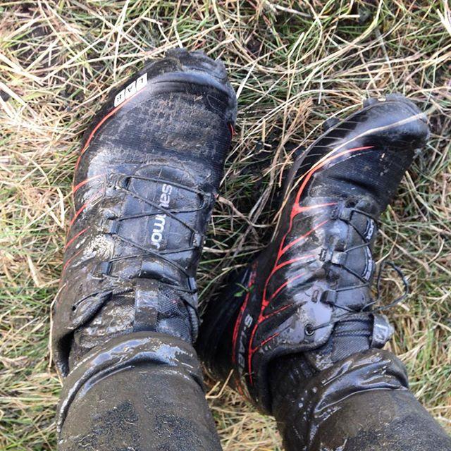 Traktordojjorna efteråt. Så jäkla bäst de var! Satt som en smäck. Halkade inte runt en sekund på foten. Greppade som en riktig traktor i leran. Jag är kär!