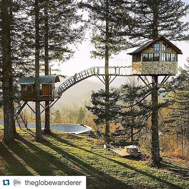 Den trädkojan! Pax! Repost @theglobewanderer with @repostapp. ・・・ Amazing treehouse in Oregon | Photography by @chrisburkard