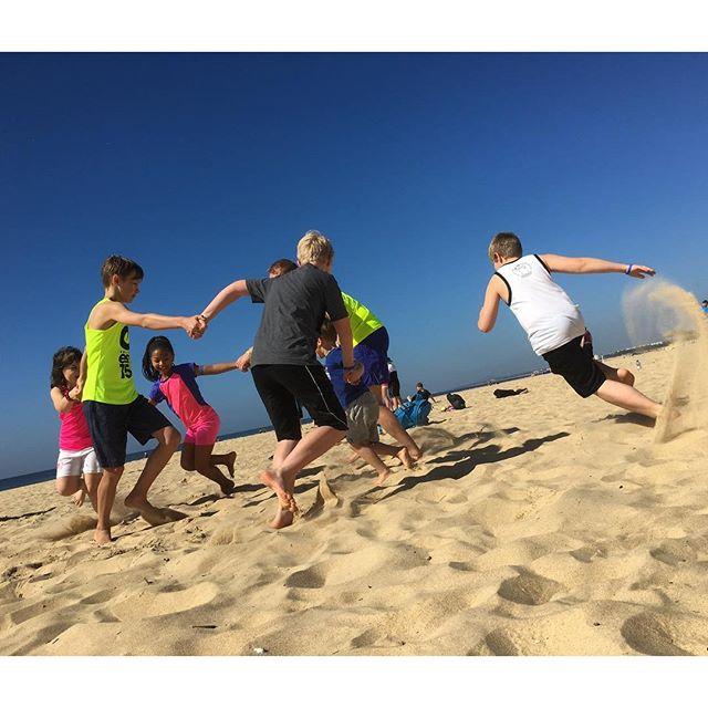 Full fart i sanden.
