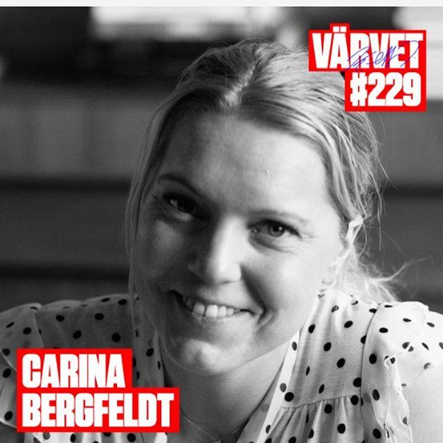 Årets bästa! Ni måste lyssna! Jag har lyssnat tre gånger nu och hittar nya guldkorn varje gång. Carina Bergfeldt. Får mig att tänka på Bang. På grund av anledning. @varvet @cbergfeldt @triumf