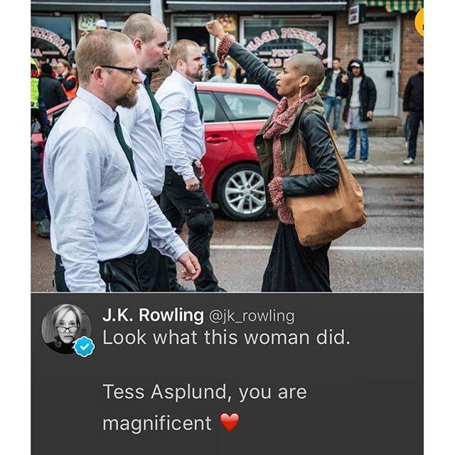 Även JK Rowling. Så stort! Heja Tess!