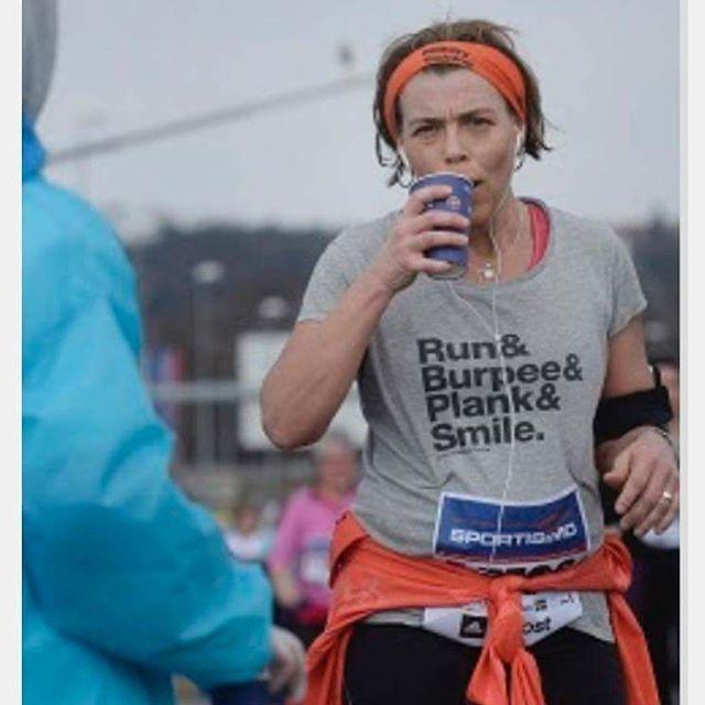 Haha, jag dör vad roligt! Den här bilden skickas ut som PR-bild till journalister som skriver om Prag marathon.