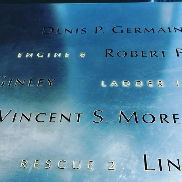 9/11 Memorial. Barnen blev klart tagna. Vi också. Och berättelserna är så många. Om människorna. Livsöden. Hjältar. Och lopp som springs i deras namn. För deras barns skull. För överlevarnas skull. För allas skull.