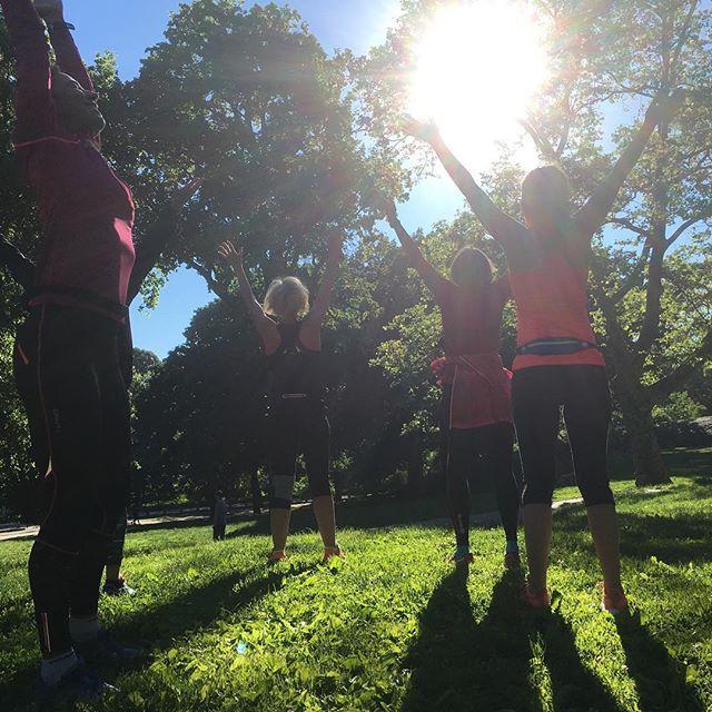 Solhälsningen med Amna i Central Park. Jag tröttnar aldrig. Www.springtime.se