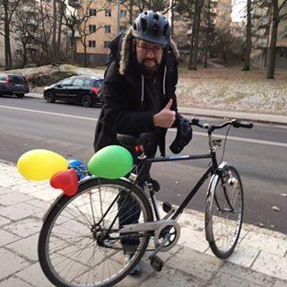 I dag är det ingen vanlig dag. För det är Gunnars födelsedag! Gratta honom gärna! Hurra hurra hurra hurra!