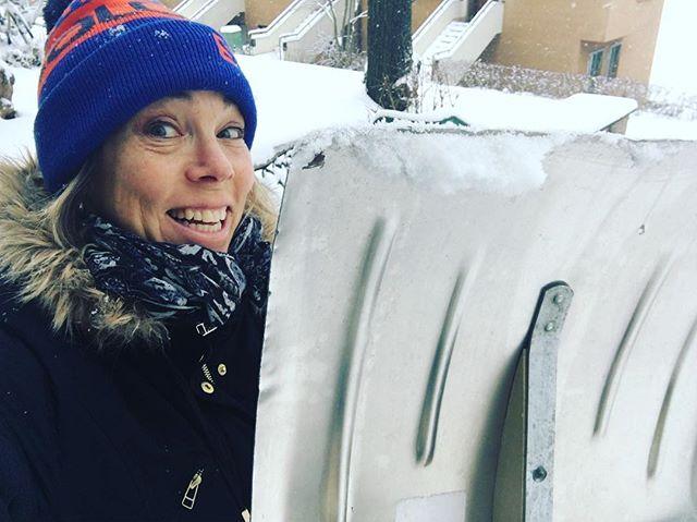 Dagens träningspass: Snöskottning! Bra grejer.