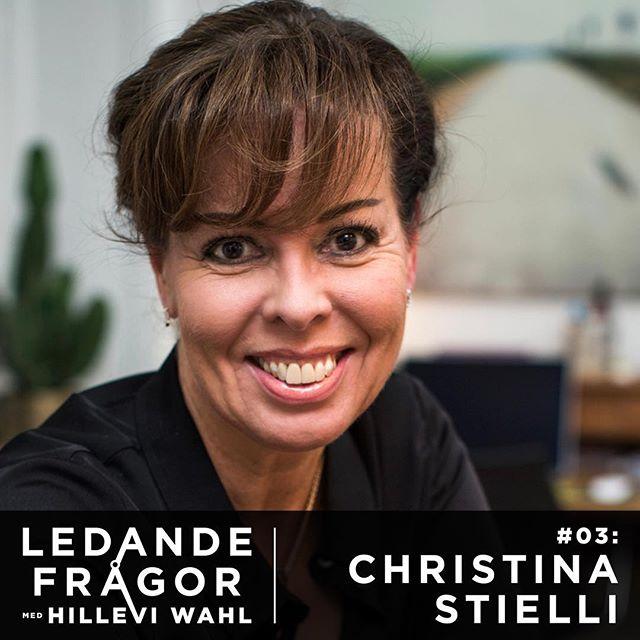 I dagens avsnitt får ni möta Christina Stielli, älskad författare och föreläsningsproffs. Hon berättar generöst om hur vi alla kan träna upp vår arbetsglädje, varför hjärnan är programmerad att se katastrofer överallt och hur en bra arbetsdag faktiskt börjar redan i duschen. @stielli @talkingminds.se