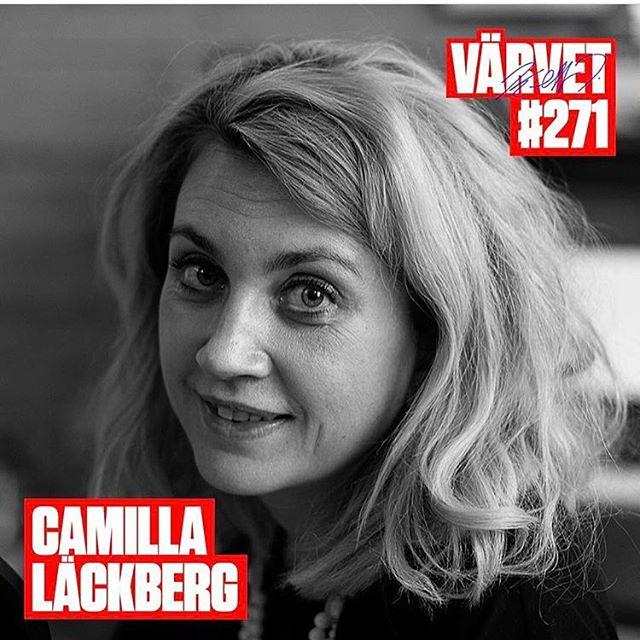 Jädrar vad bra hon är, Läckberskan! @lackberg bjussar verkligen på sig själv i @varvet med @triumf Skönt att höra henne prata allvar. En förebild. Det är aldrig för sent att läsa på. Örongodis.