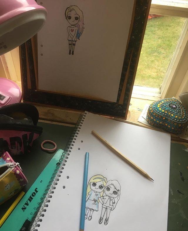 När min pappa var ung lärde han sig teckna tack vare Rit-Olas brevkurs. Lykke gör samma sak - men hon har hittat allt på nätet. Initiativrik tjej. Självgående. Kreativ. Bra grejer. @lykkethecoolest