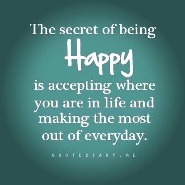 Tacksamhet och glädje hör intimt ihop. Att kunna vara glad i det lilla. De små sakerna. Ett roligt samtal. En vacker blomma. En vattenpöl att hoppa i. Glada barn. Stora små saker.