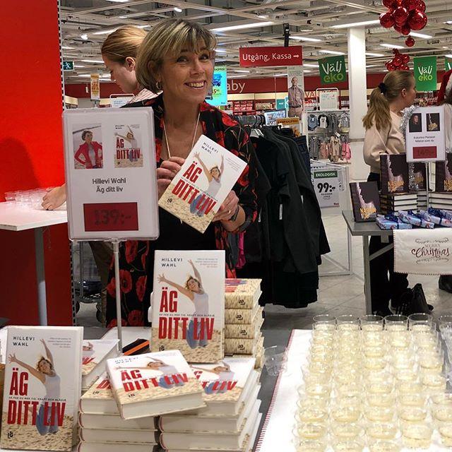 Kom och fynda signerade böcker på ICA Lindhagen kl 16-19.