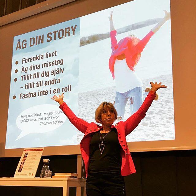 Äg dina misstag. Äg din story din tid och ditt liv. Misstagen kan vara de bästa! ️ Fullsatt och extrastolar på stadsbiblioteket i Lund. 120 pers satt och trängdes. Superhäftigt.