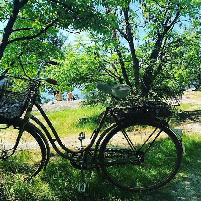 Cykel, solsken och skugga. ️