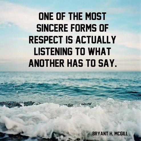 """""""Lyssna på en annan människa, tålmodigt och på djupet. Försök att höra något bortom orden. När vi lyssnar utan egot, utan avbrott, ger vi andra människor ett tryggt utrymme där de får plats att vara sig själva. Deras själ får utrymme att komma fram och skapa samhörighet. Att ge någon den gåva som det är att lyssna aktivt, på djupet, är en besjälad inställning. """" Dagens övning. Svårare är man tror. Det är så lätt att avbryta och säga nej, nej,nej. Men att lyssna klart - det är en konst. Speciellt för en rastlös själ. Jag ska öva i dag. ️"""