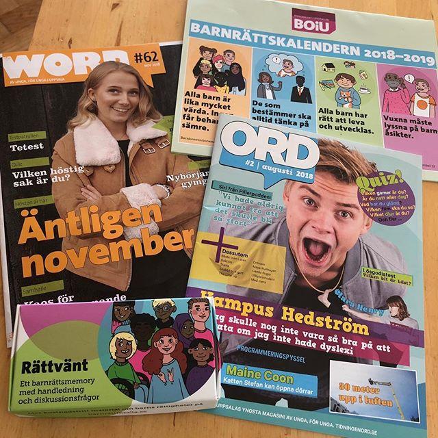 Det görs så mycket bra i Uppsala. Det här var bara en del av det proffsiga materialet jag fick med mig från Barnombudet i Uppsala. Barnrättsmemory (!), barnrättskalender och två riktigt bra tidningar, skrivna av ungdomarna själva. Allt är gratis och sprids till beslutsfattare och skolor och alla som vill läsa. Visst blir man glad! @gillaboiu